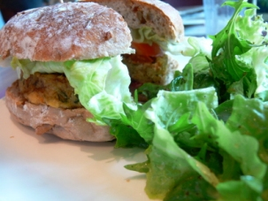 tofu burger cedele.jpg